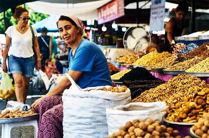 Рынок в Турции, город Тургутрейс