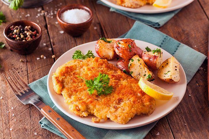 Самое известное австрийское блюдо – «венский шницель»